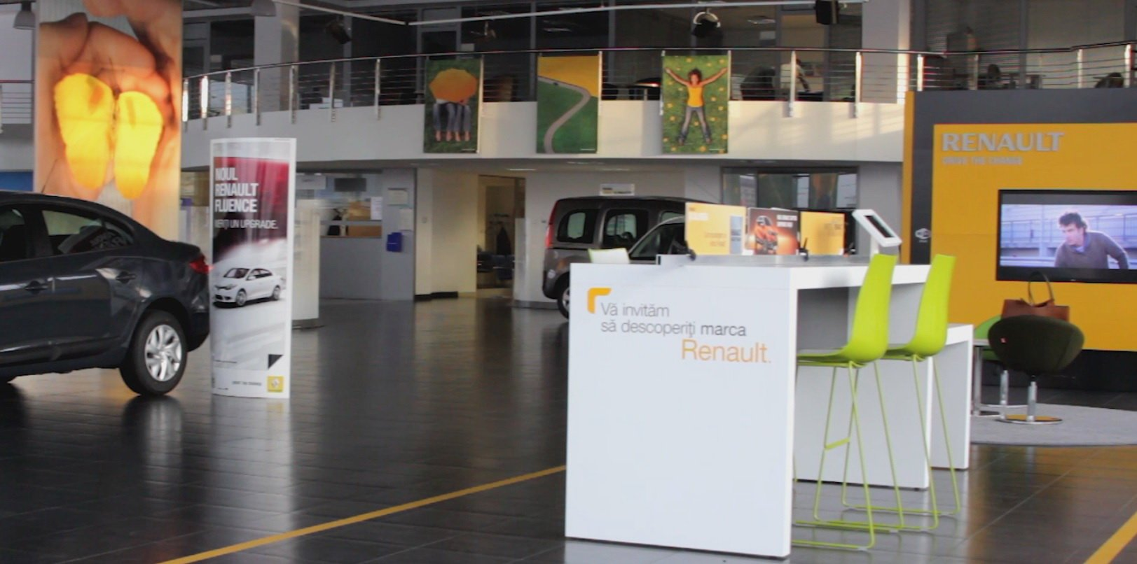 Renault Store 1