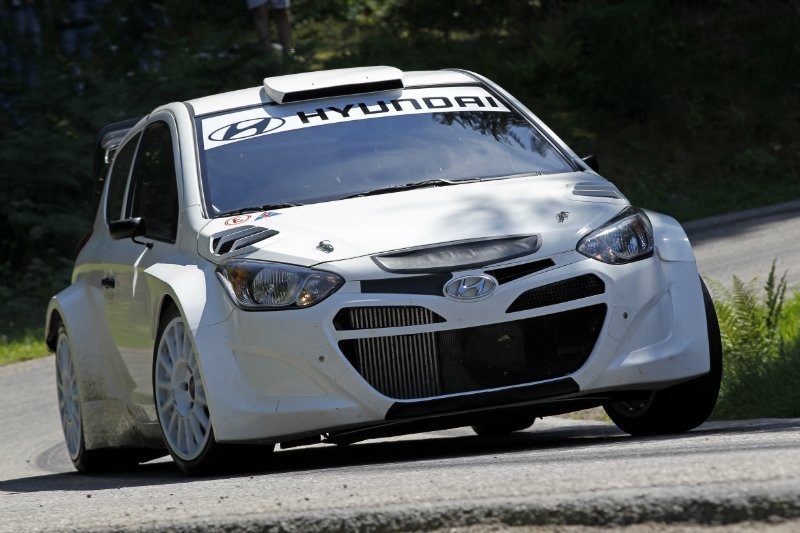 i20_wrc-august-test-asphalt_2