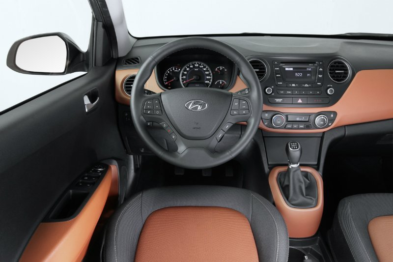 new-generation-i10-interior-1-small
