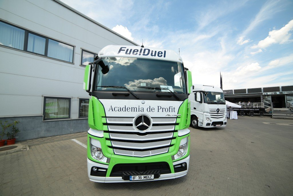 Mercedes-Benz Fuel Duel (1)